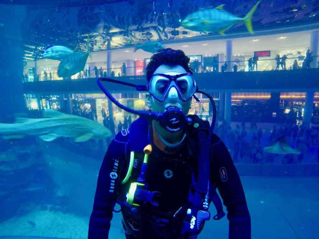 AJ scuba diving in Dubai Aquarium