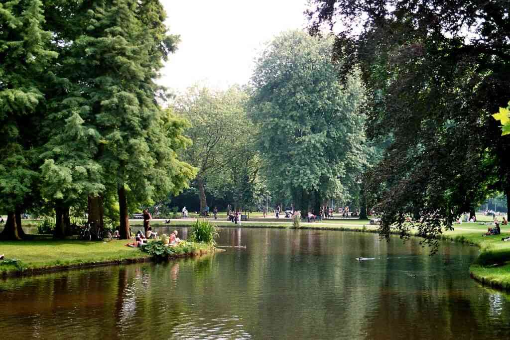 A summer day in Vondelpark is great for the kids
