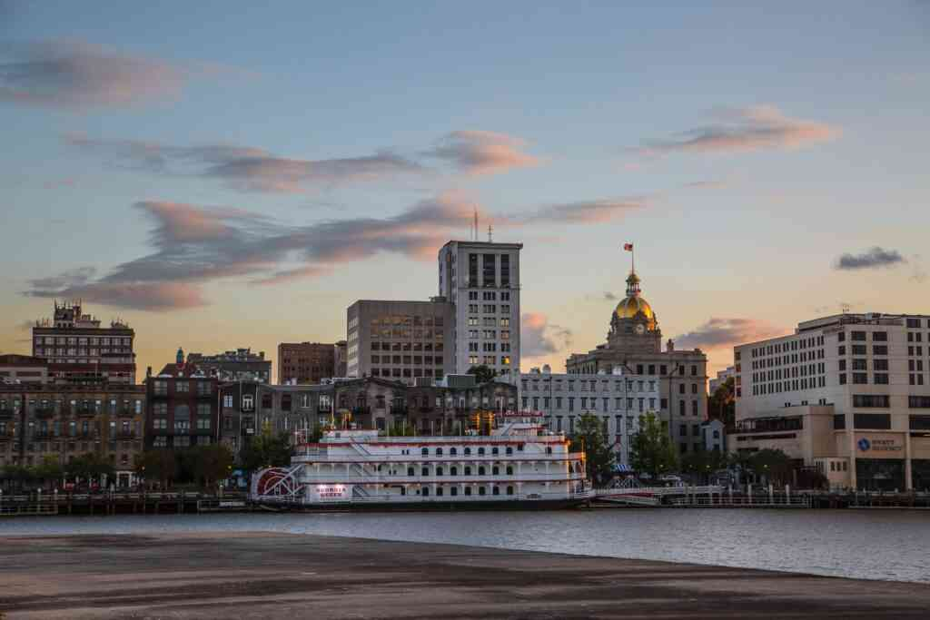 The historic district is one o the bestt places to stay in Savannah